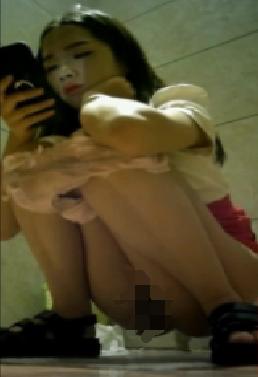 偷拍日本韩国中国美女拉屎撒尿洗澡 无码版